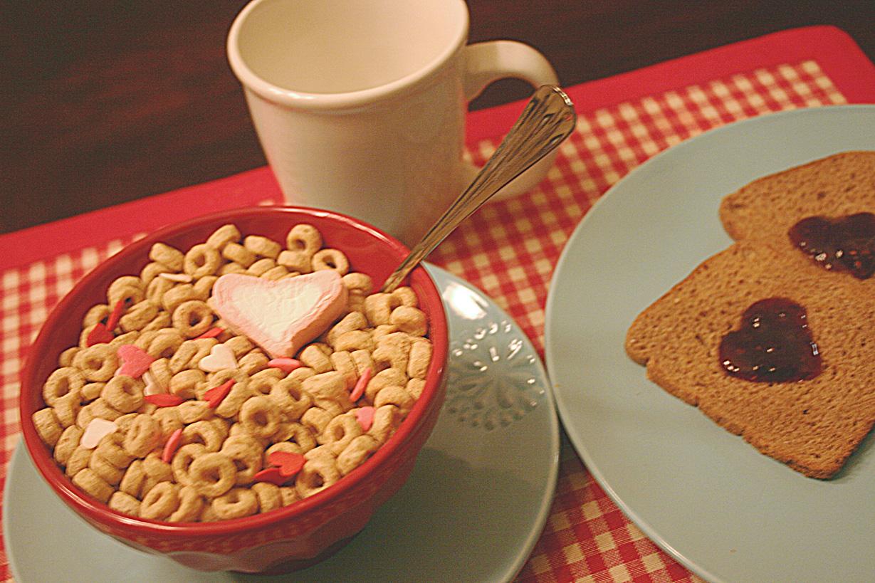 full-valentine-breakfast-for-kids