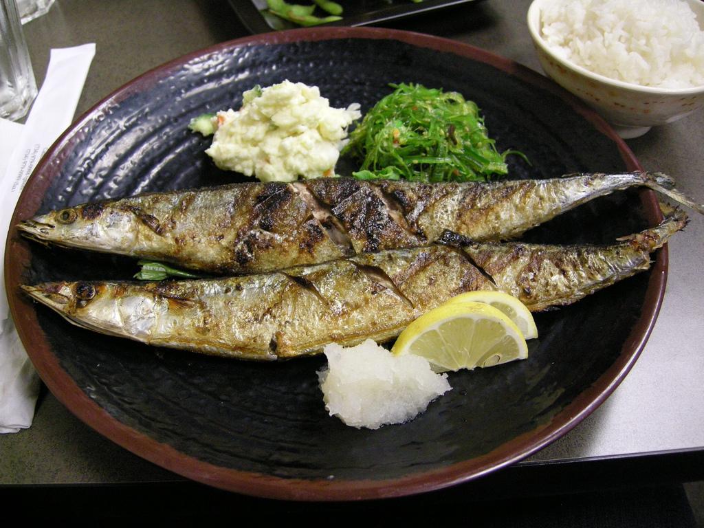 mackerel_with_face