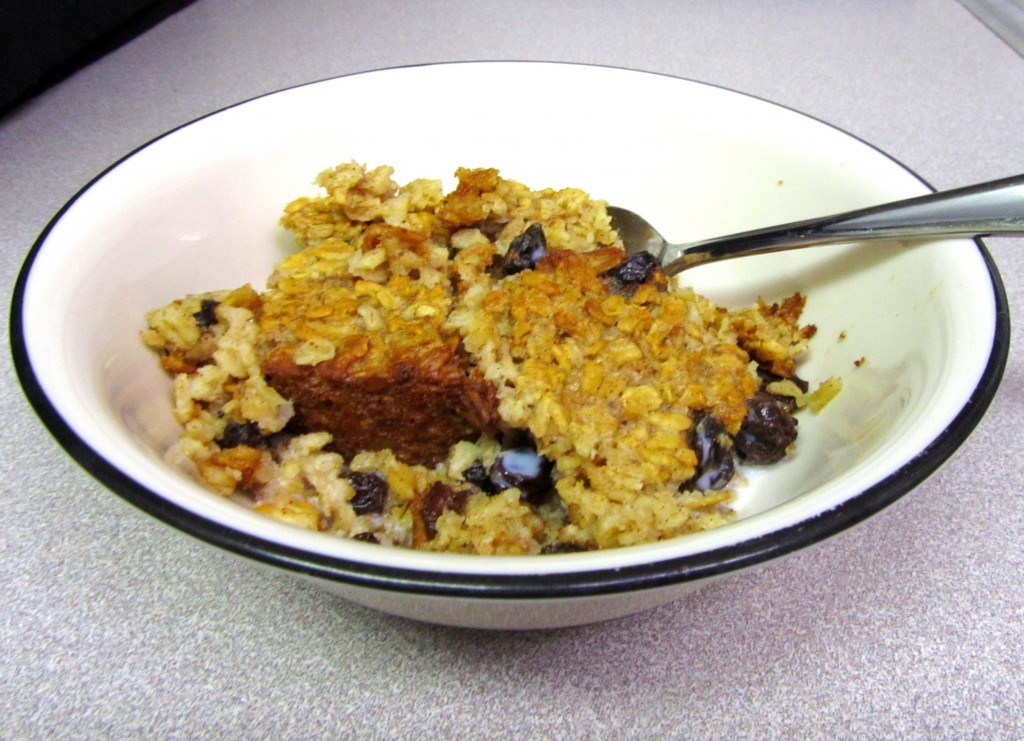 baked oatmeal 2 1024x741 10 τρόποι για να βάλουμε κουάκερ (βρώμη) στη καθημερινή μας διατροφή